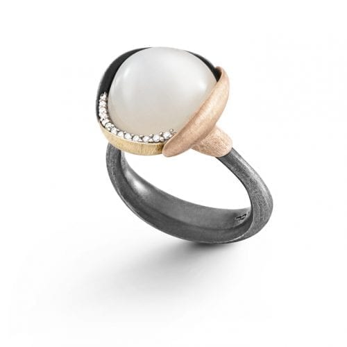 White moonstone. Silver mix. Silver. 18ct. yellow gold. ole lynggaard. danish. denmark. ole